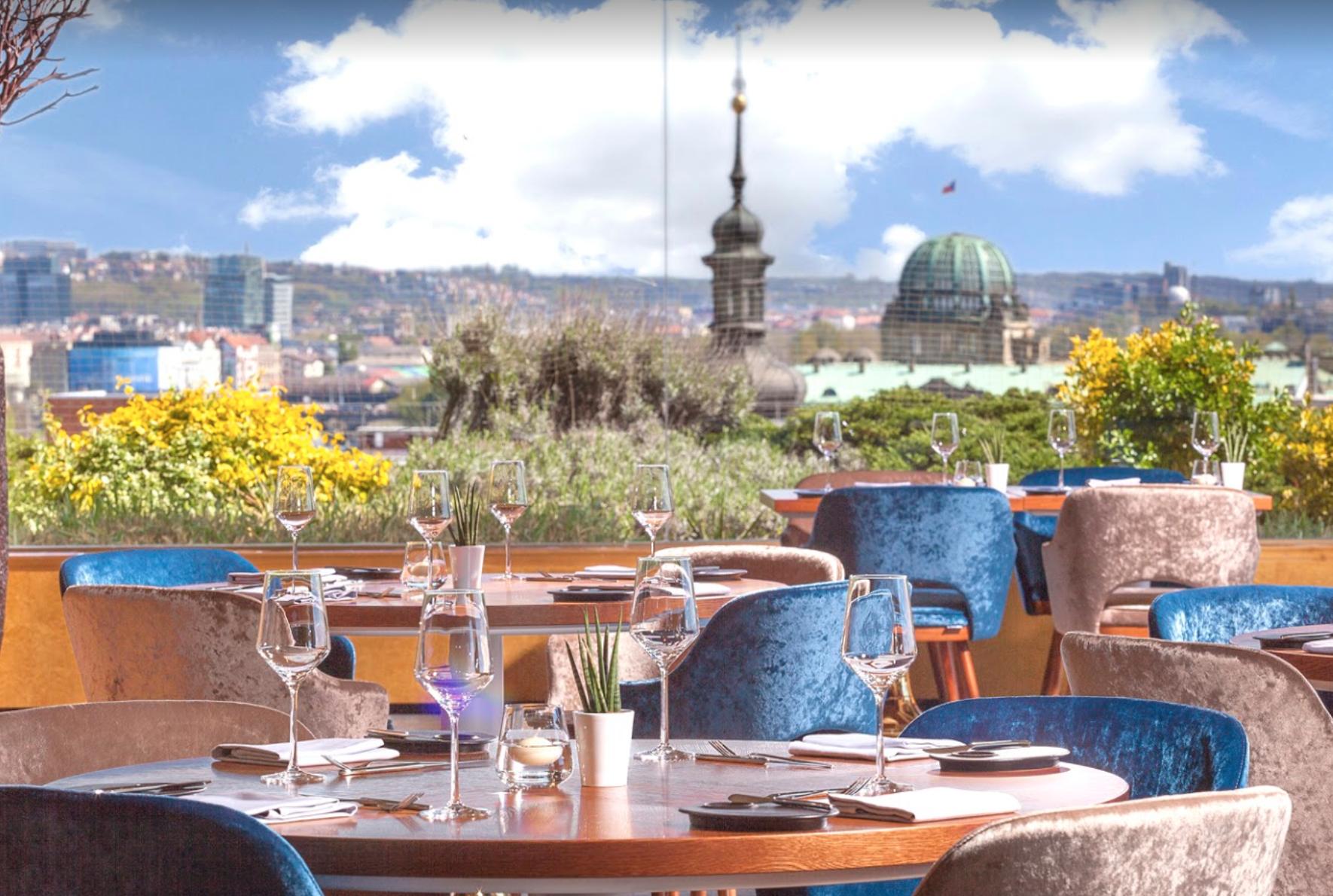 Ресторан Zlatá Praha в Праге