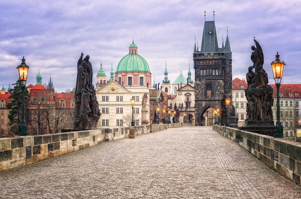 Карлов мост в Праге: история, фото и адрес