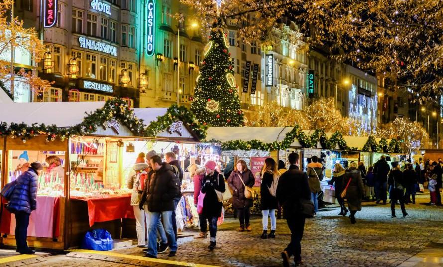 Рождественский рынок на Вацлавской площади