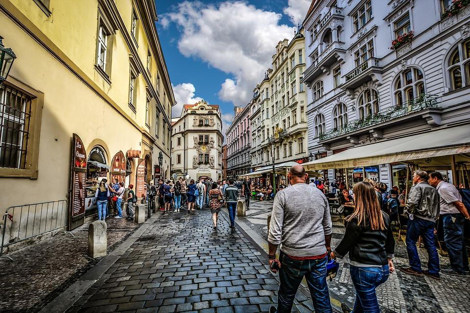 Какую одежду брать с собой в Прагу в апреле