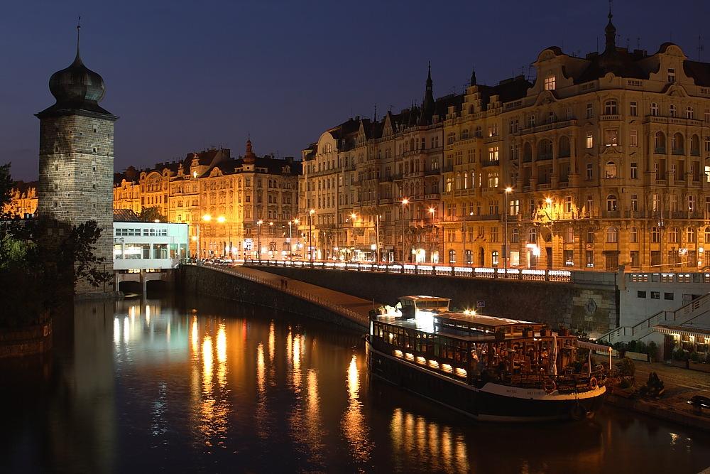 Экскурсии по ночной Праге