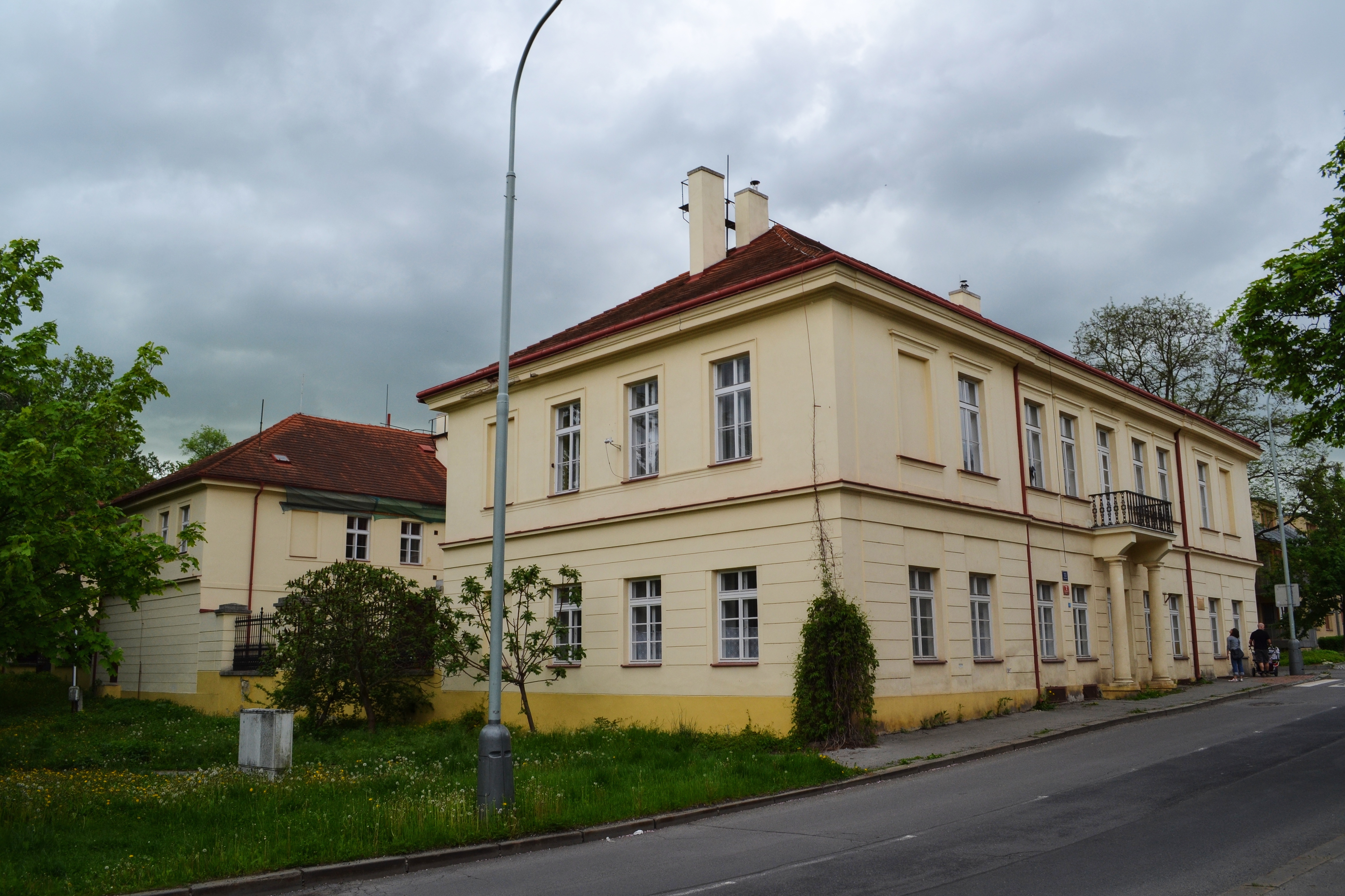 Глубочепы (Zámek Hlubočepy) в Праге