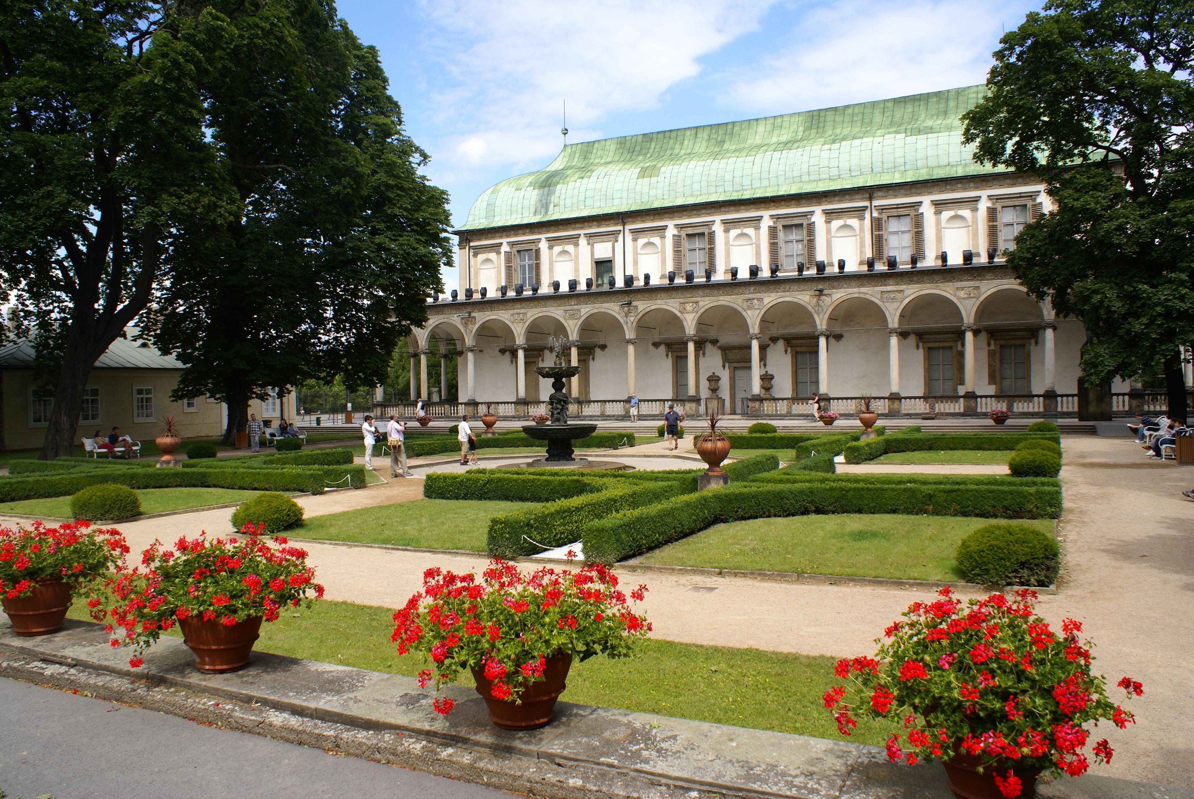 Летний дворец королевы Анны (letohrádek královny Anny) в Праге